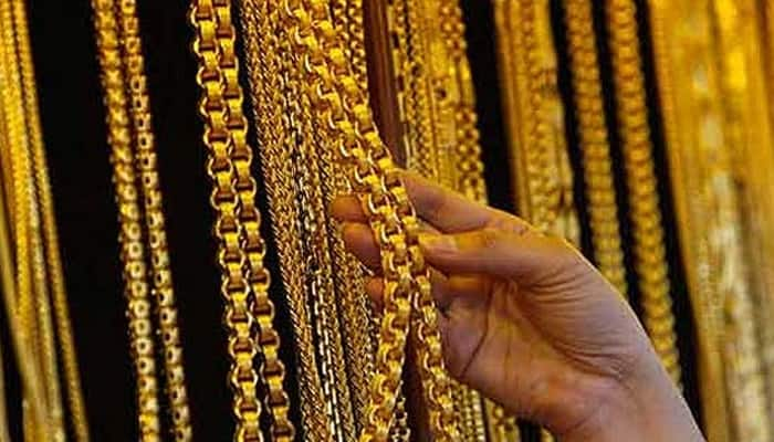 Gold hit over 3-week high on global cues, jewellers buying