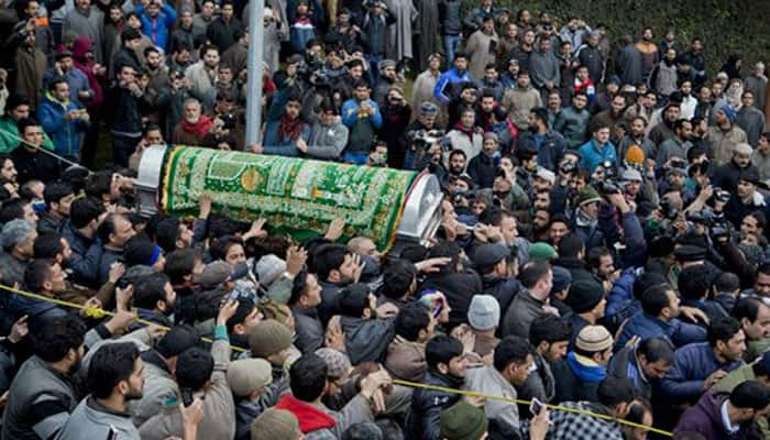 Mufti Mohammad Sayeed dies at 79, thousands attend burial; PDP wants Mehbooba to be next J&K CM