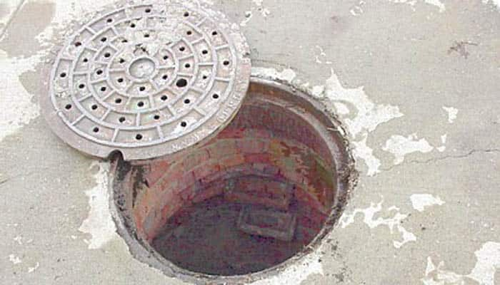 Man falls into manhole, sues BMC for Rs 1.5 crore