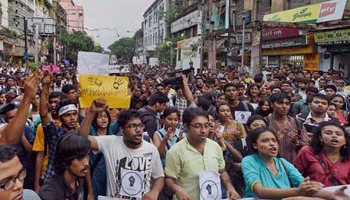 Bengal Governor meets protesting Jadavpur students; no agreement on holding of student union elections