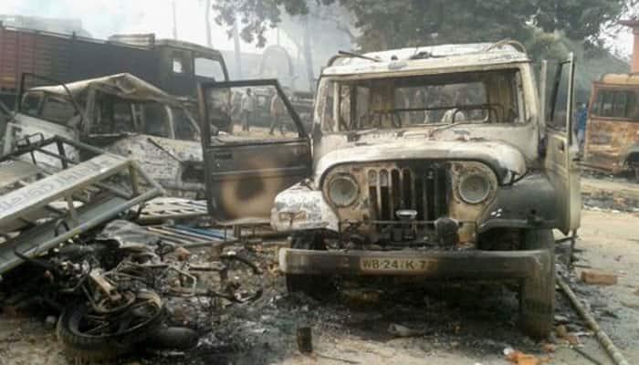 Malda violence: Bajrang Dal activists stage protest outside Banga Bhawan in Delhi