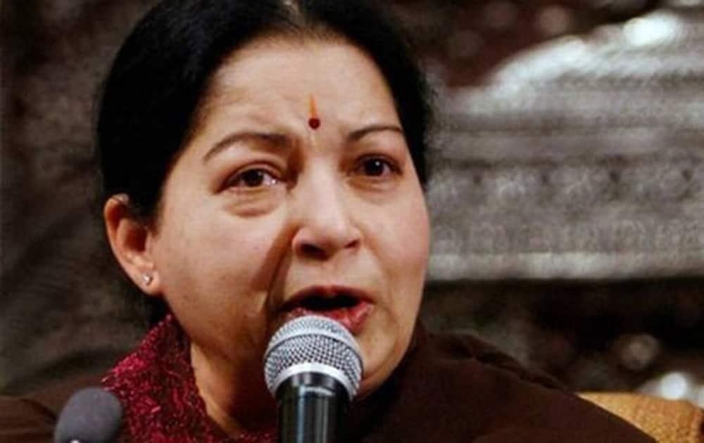 Hand me massive win in Tamil Nadu polls, Jayalalithaa tells partymen