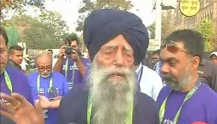 Mumbai Marathon: Meet 104-year-old participant Fauja Singh aka 'Turbaned Tornado'