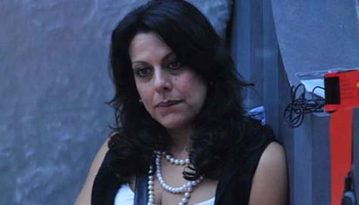 OMG! Pooja Bedi calls step mom Parveen Dusanj 'wicked witch'?