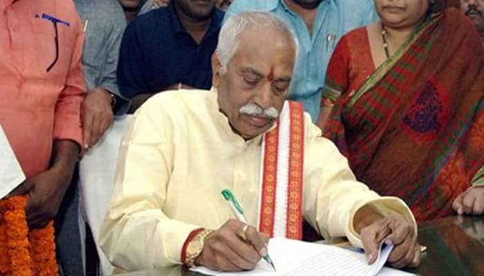Dalit scholar suicide: Congress demands Dattatreya's removal from union cabinet