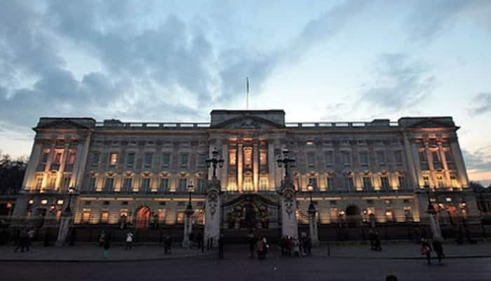 Want to visit and see grandeur of Buckingham Palace? – Take this virtual tour