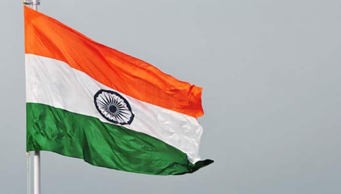 Defence Minister Parrikar hoists highest tricolour at Ranchi