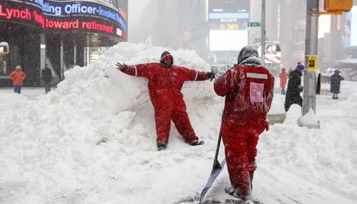 Deadly blizzard hits US east coast, at least nine killed