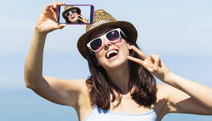 'Selfie' fever: New reports claim romantic crisis behind the rage!