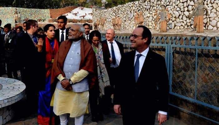 PM Modi, French Prez Hollande visit government museum, gallery in Chandigarh