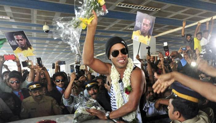 VIDEO: Ronaldinho narrowly escapes freak accident in Kozhikode