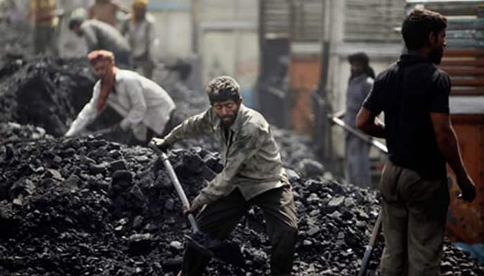 Govt asks Coal India to meet 550 MT target for current fiscal