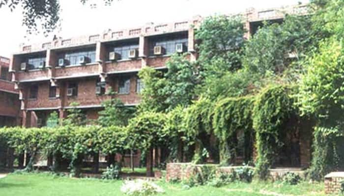 JNU Dalit scholar demands resumption of grants, threatens suicide