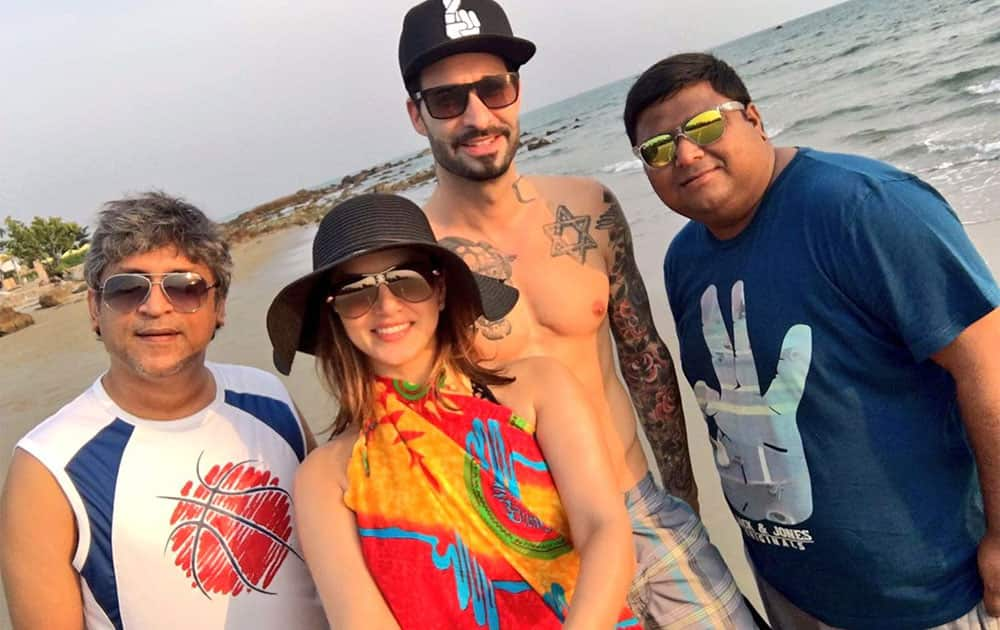 Sunny Leone :- So much fun in Thailand! Little bit of work and lots of fun! @DanielWeber99 @911Yusuf @malvinmassey -twitter