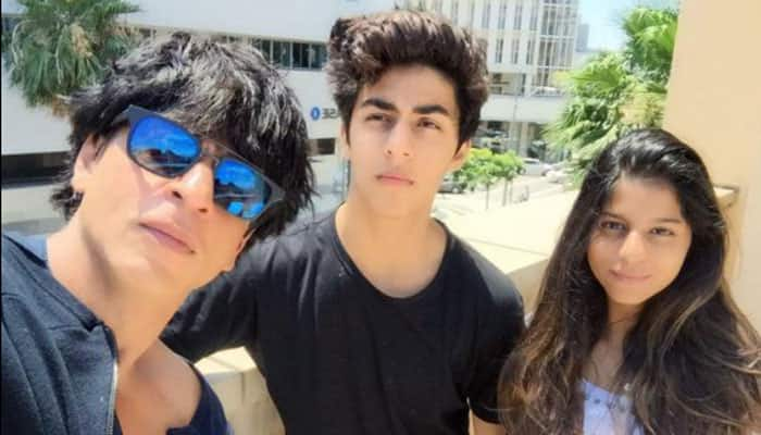 Shah Rukh Khan's son Aryan looks smashing with his guy gang—See pic!
