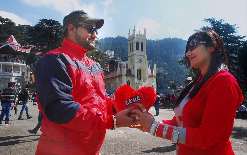A couple celebrate Valentine's Day in Shimla.