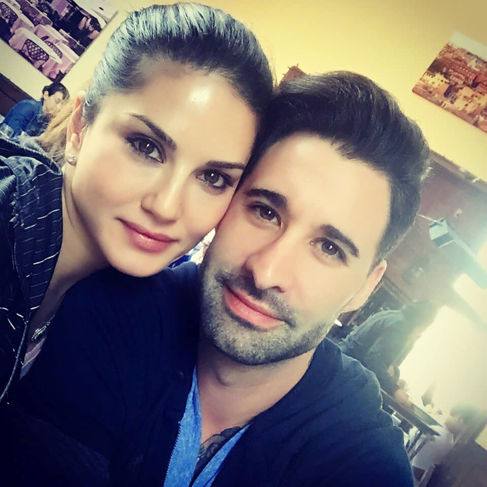 Sunny Leone :- Hanging out in Santa Monica with @DanielWeber99  -twitter