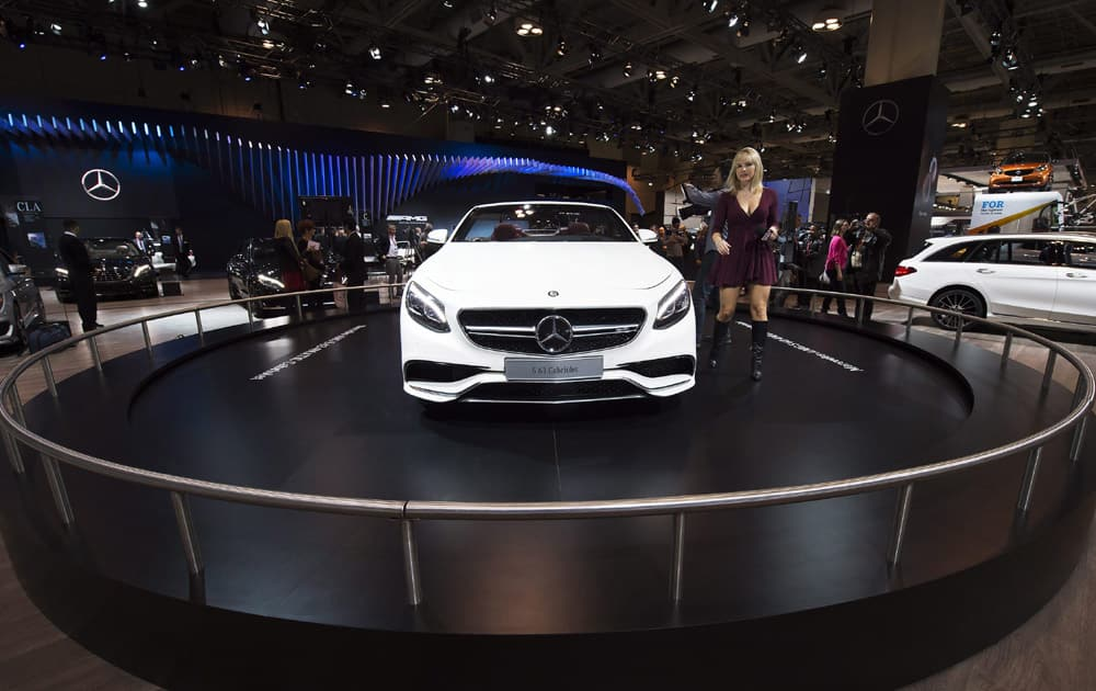 A women looks over the Mercedes-AMG S 63 at the2016 Canadian International Autoshow in Toronto on Thursday, Feb. 11, 2016.