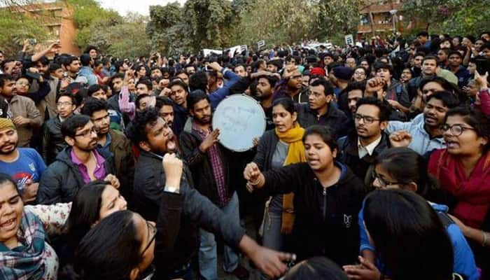 JNU row: Delhi Police identifies all students who raised anti-India slogans, conducts raids in 5 states