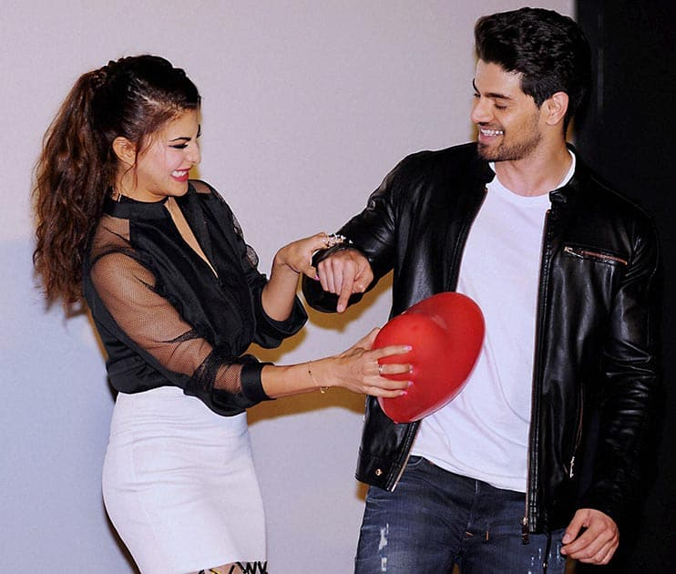 Bollywood actors Jacqueline Fernandez and Sooraj Pancholi during the release of teaser of the song GF BF.