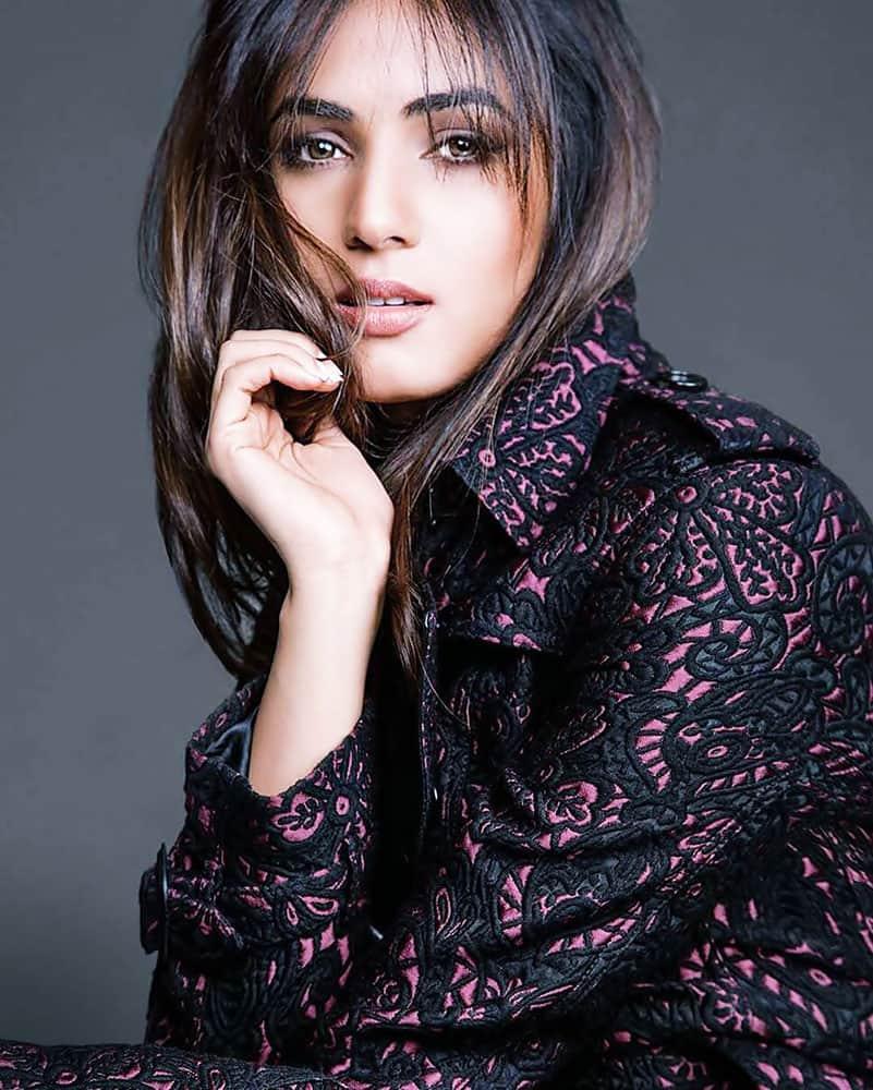 SONAL CHAUHAN :- Beautiful @sonalchauhan7 -twitter