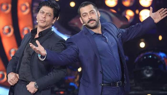 Salman Khan's 'FAN' moment over Shah Rukh Khan's songs!