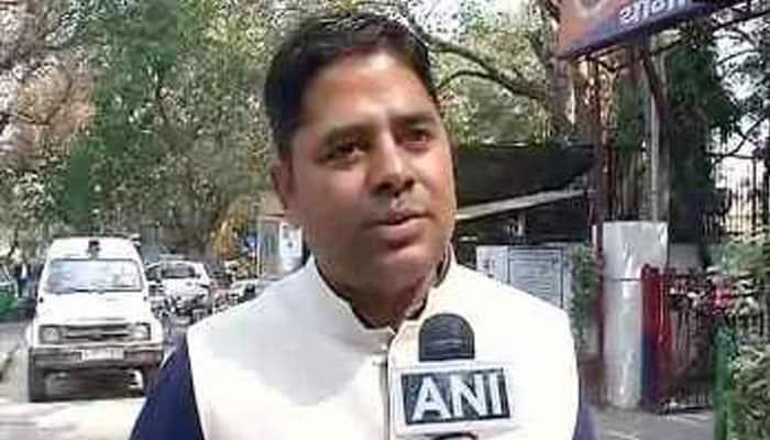 JNU row: If saying 'Vande Matram' makes me a 'goon' then so be it, says lawyer Vikram Chauhan