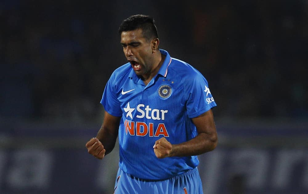 RAVICHANDRAN ASHWIN FINISHED WITH 10 WICKETS IN THE 2014 ICC WC IN BANGLADESH. HE FINISHED TWO BEHIND LEADING WICKET TAKER IMRAN TAHIR (SA)
