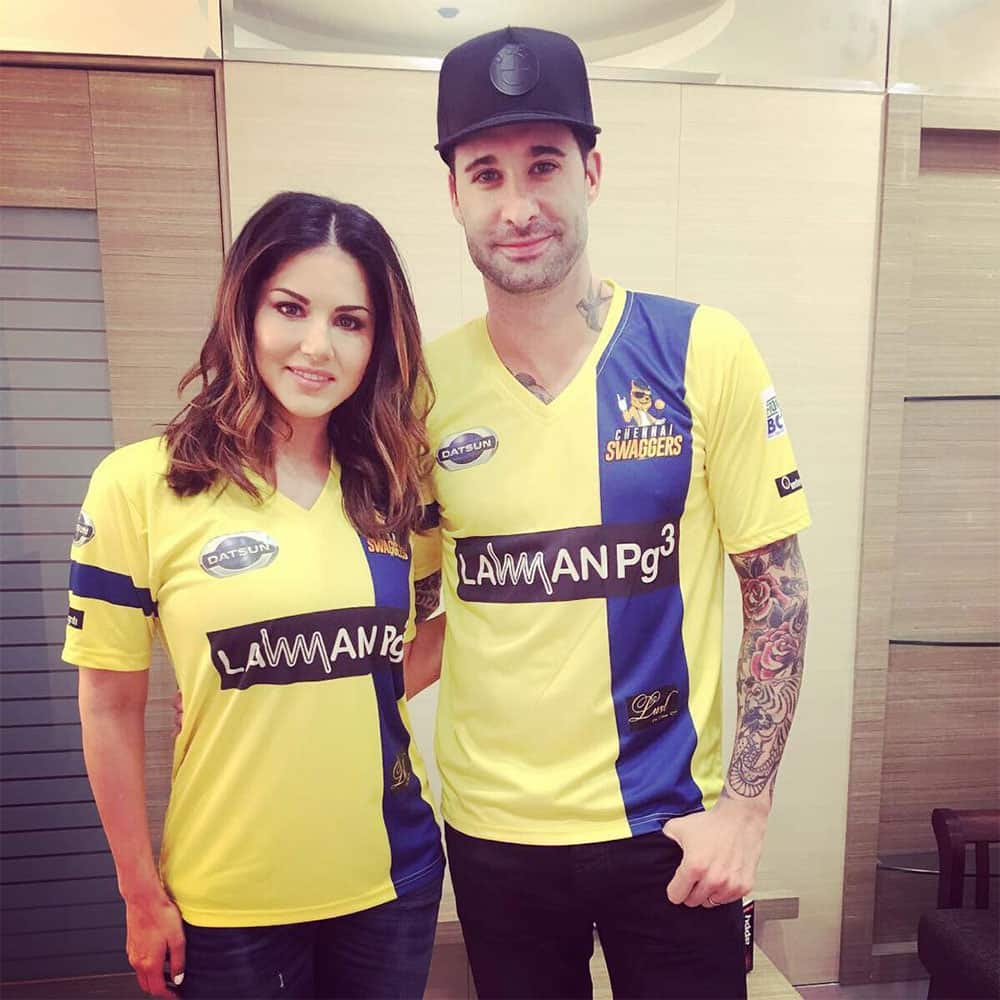 sunny leone :- Gearing up to watch some cricket!! -instagram