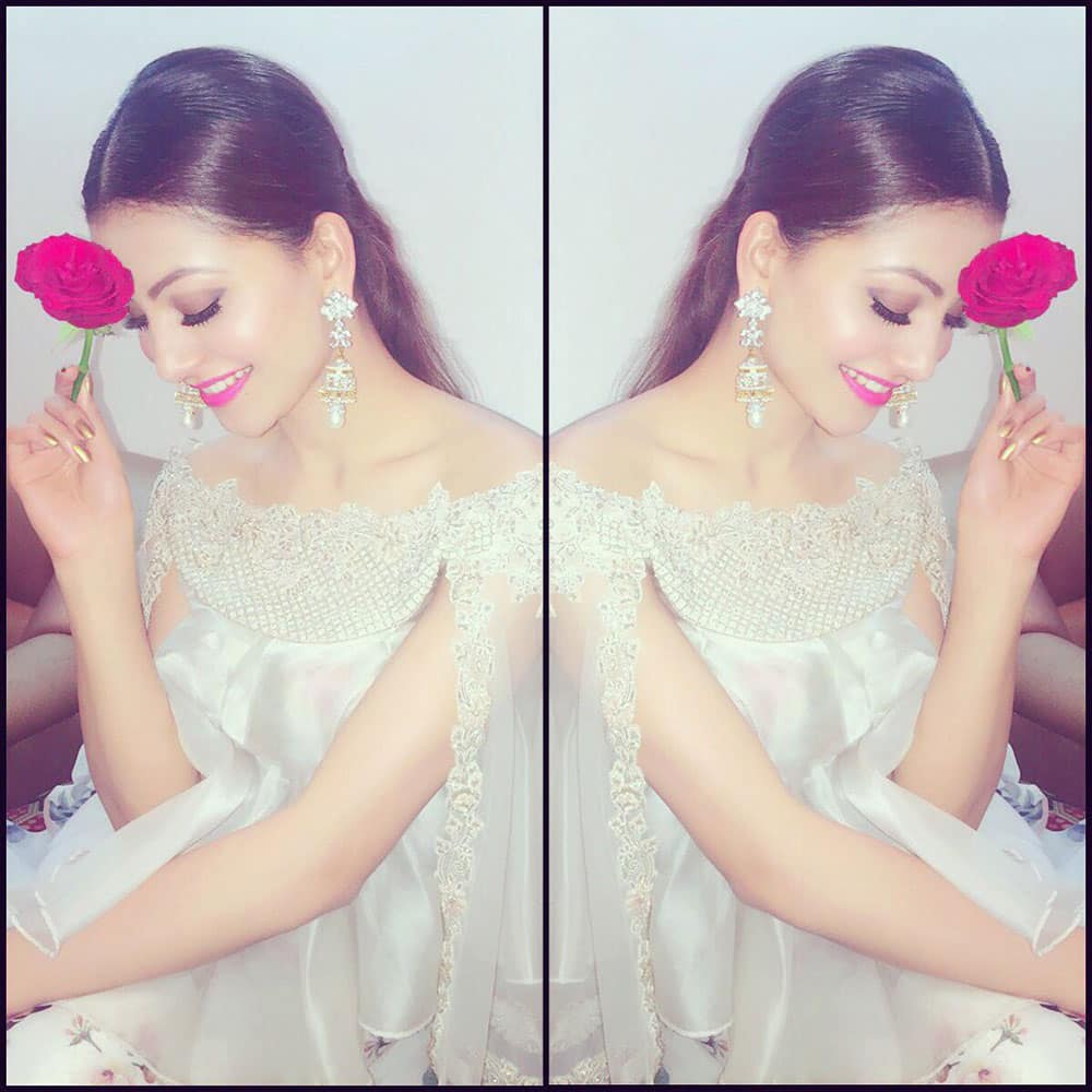 URVASHI RAUTELA :- I will love you until infinity runs out .... pic.twitter.com/q4oloSqcn0