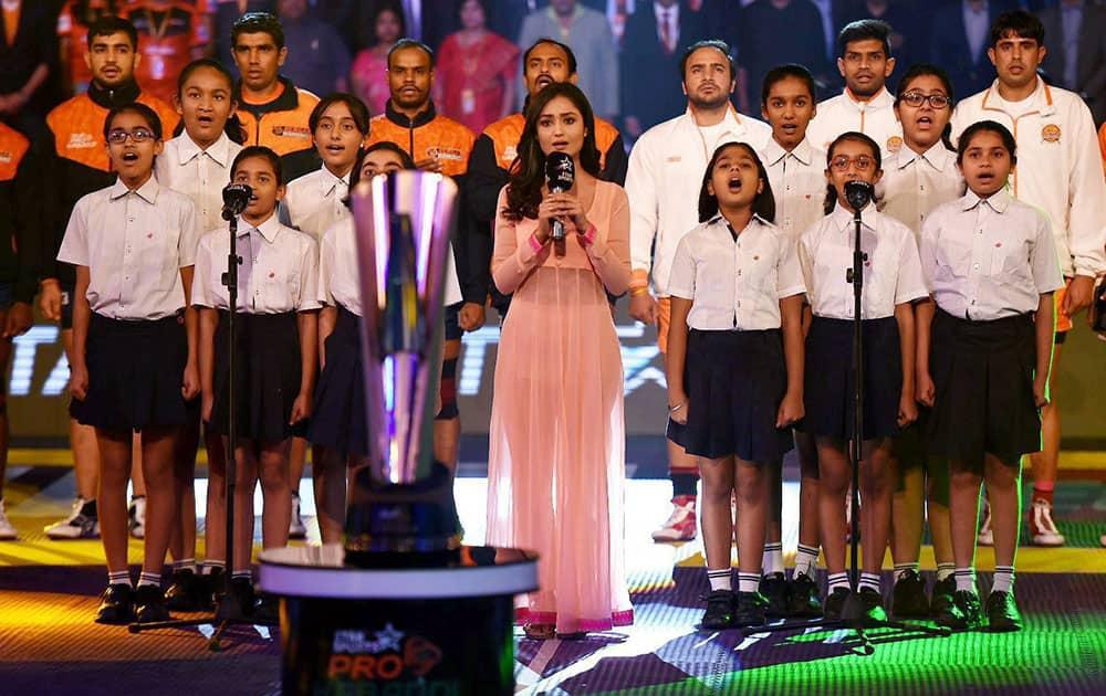 Singer Swadheenta sings national antham before the pro Khabaddi finals between U Mumba and Patna Pirates in New Delhi.
