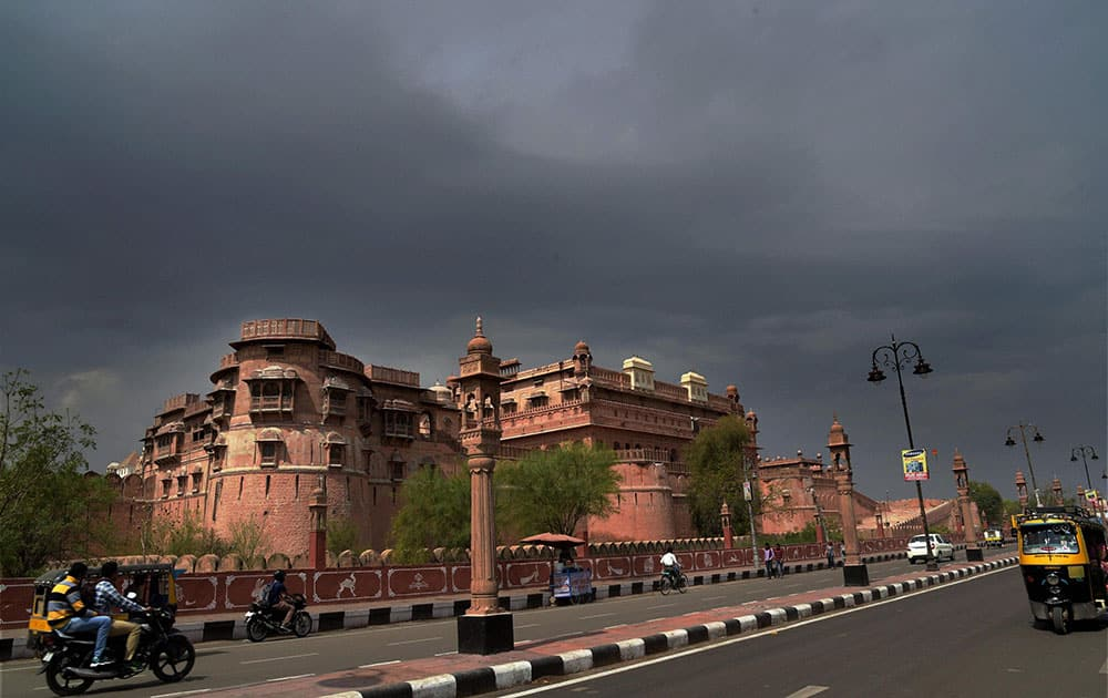 Dark clouds in Bikaner.