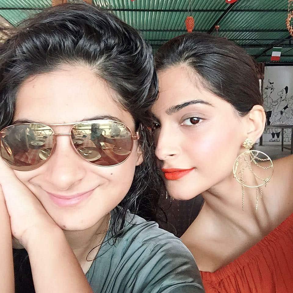 Sonam Kapoor :- Just coz I love my baby sister.. @rheakapoor ❤❤ why we back in the bay ?? I wanna go b… -twitter