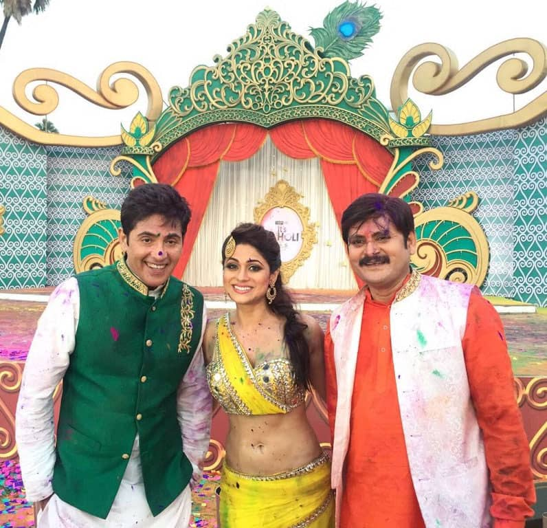 Had such a blast shooting for a Holi show for &tv with Aashif Sheikh and Rohitash Gaud from @bhabhijigharpar Twitter@ShamitaShetty