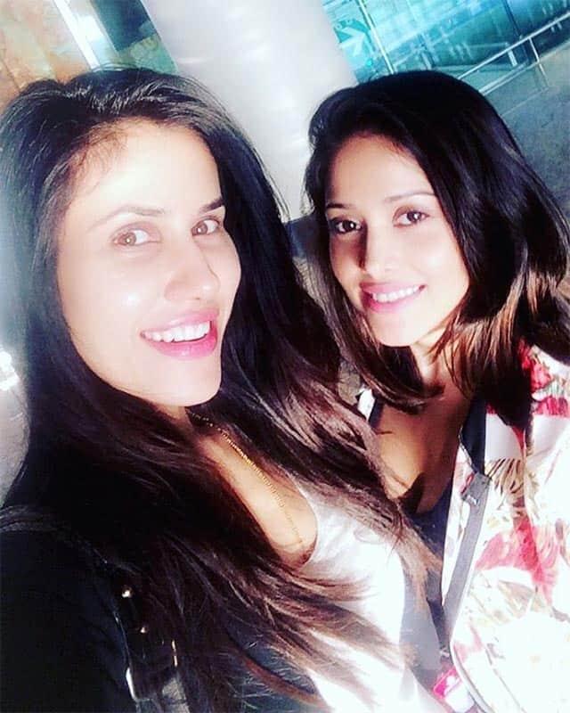 sonnalliseygallN we found each other #lostsister @nushrat_bharucha #pkp2 #TOIFA #sonnalliseygall. Instagram/sonnalliseygall