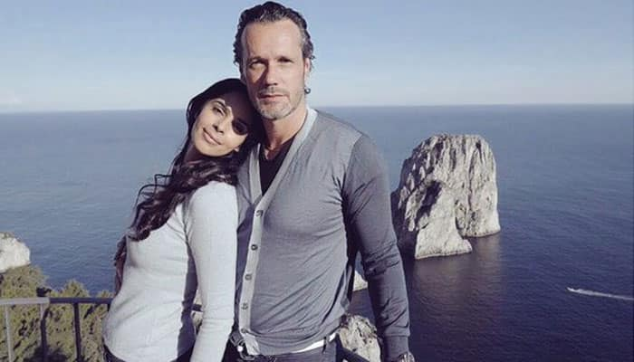 Mallika Sherawat is in love and she wants the world to know!—View picture