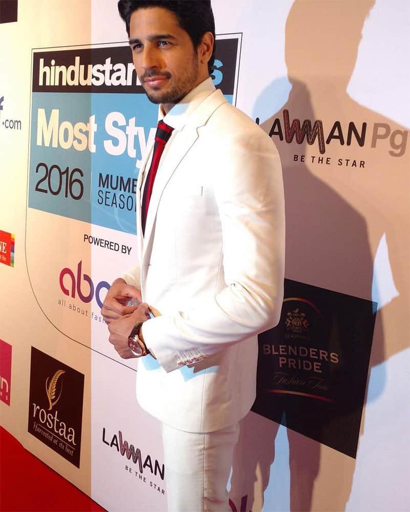 Sidharth Malhotra :- Thank you @htcafe for the encouraging award #htmoststylishawards -instagram