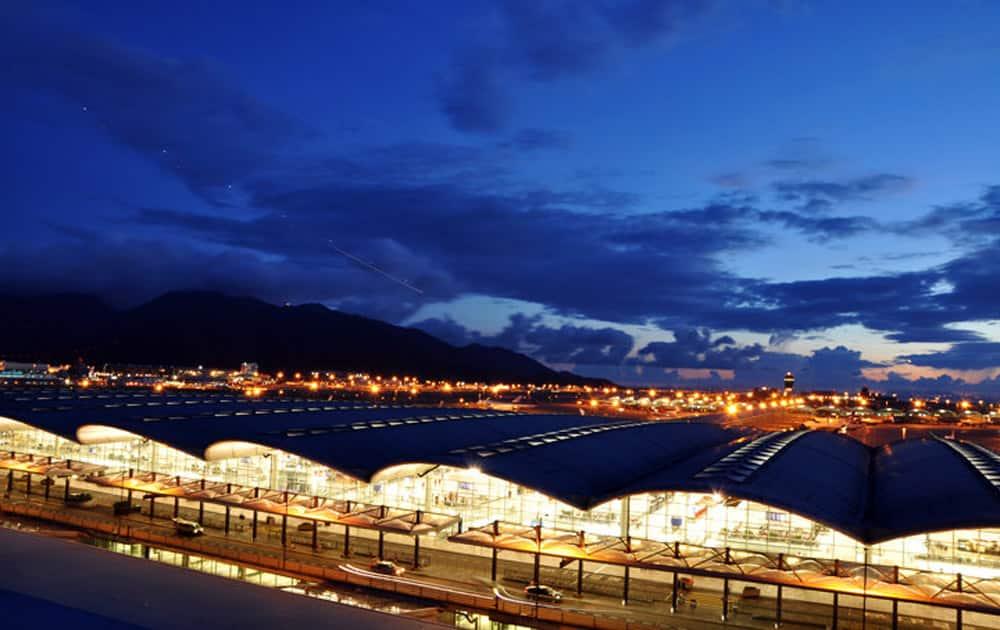 5. Hong Kong International Airport