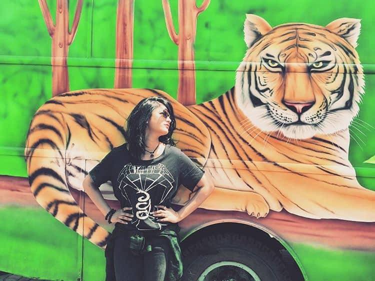 shruti haasan :- Tiger bums - my new pillow #chennaisun #melt #crazytrailers.... thegurlonfireeeYour hair, on point. -instagram