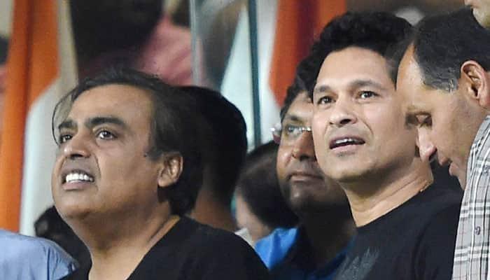 Tough luck! Sachin Tendulkar consoles Indian team after WT20 semi-final defeat to West Indies
