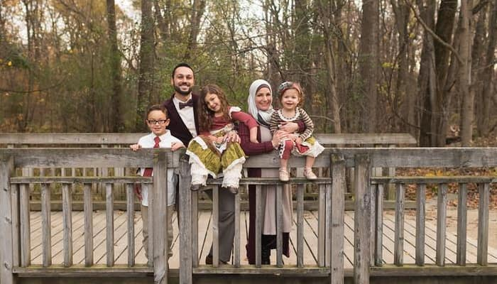Muslim couple, their 3 young kids evicted from United Airlines flight for 'safety' issues: Watch
