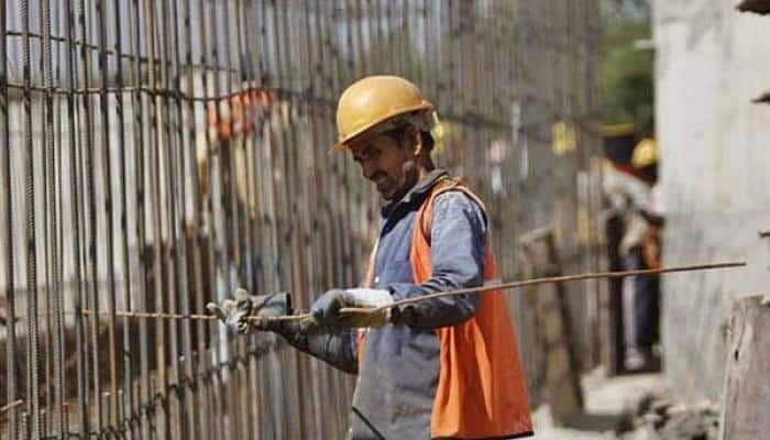 GDP growth to remain flat at 7.4% in FY17: HSBC