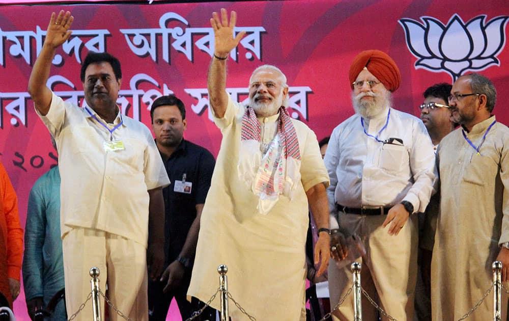 Prime Minister Narendra Modi at an election rally in Siliguri.
