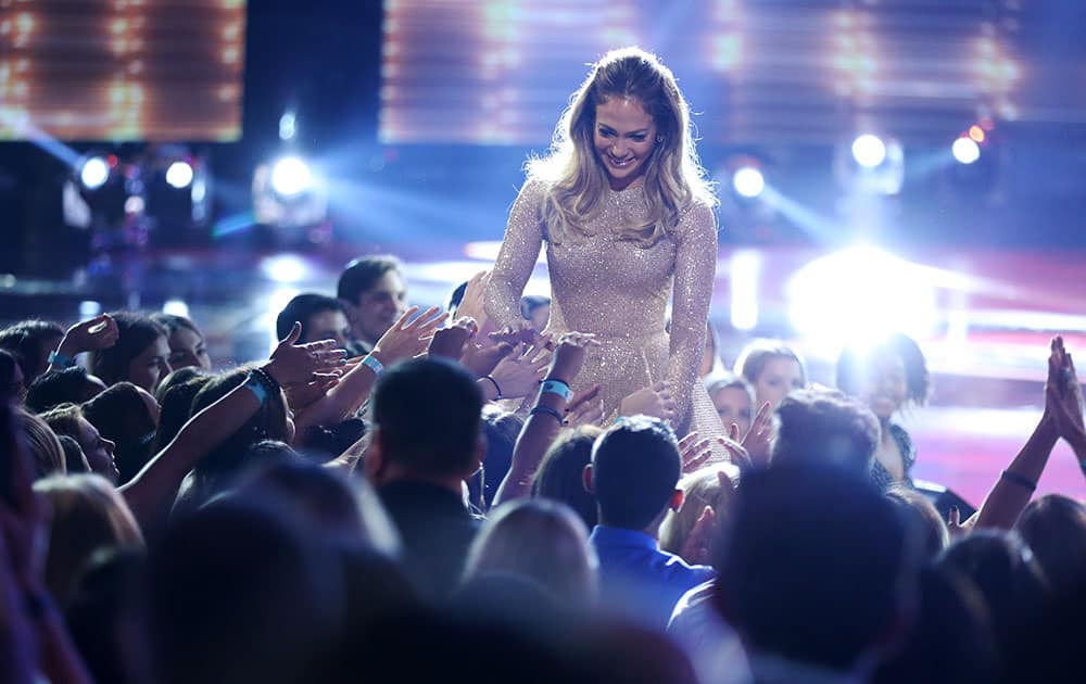 Jennifer Lopez appears at the 'American Idol' farewell season finale at the Dolby Theatre, in Los Angeles.