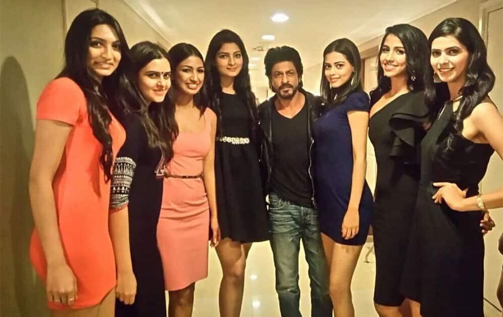 Going to meet these pretty girls tonight!!  Hosting #MissIndia2016 Twitter@karanjohar