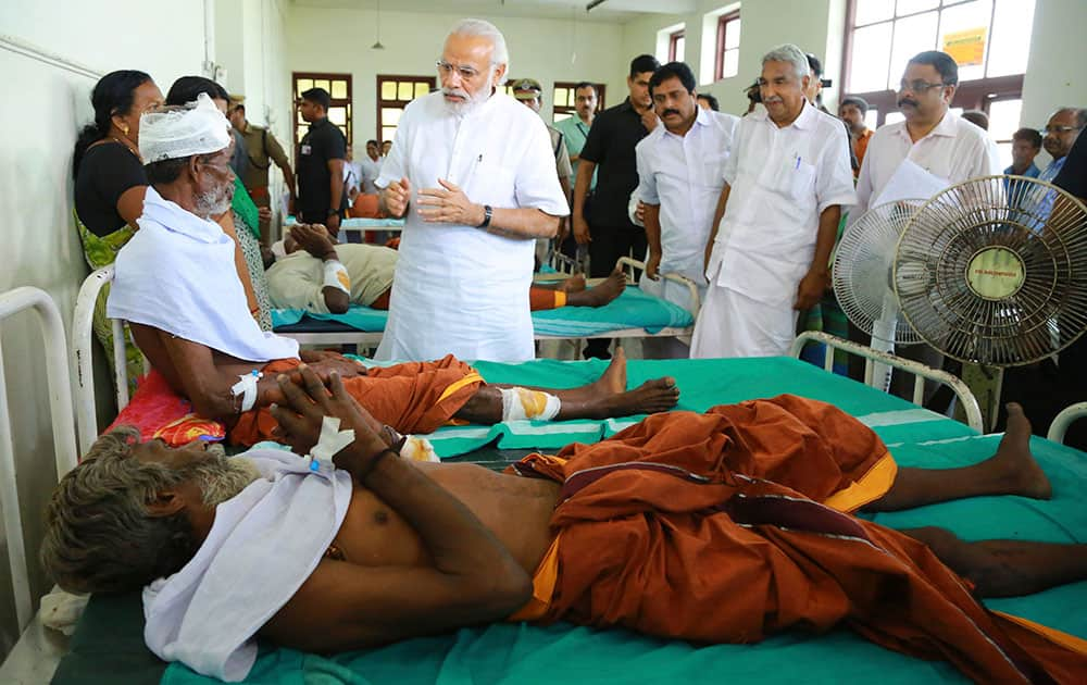 Prime Minister Narendra Modi visits the district hospital to meet the victims of tragedy in Kollam Paravoor Puttingal temple.