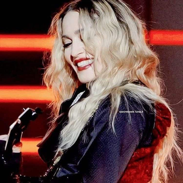 Madonna :- Smilimg for the teeth police! ❤ #unapolagetic -twitter