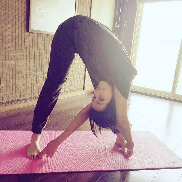Mallika Sherawat :-Starting my day with this yoga twist :) #yogabymallika #yoga #fit #fitness #meditation -instagram