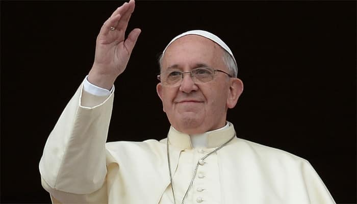 Pope Francis, in lesson to Europe, brings 12 Syrian refugees from Greece to Italy