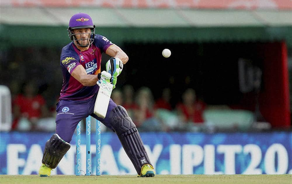 Faf du Plesis of Rising Pune Supergiants plays a shot during match 10 of the Vivo Indian Premier League ( IPL ) 2016 between the Kings XI Punjab and the Rising Pune Supergiants held at the IS Bindra Stadium in Mohali.